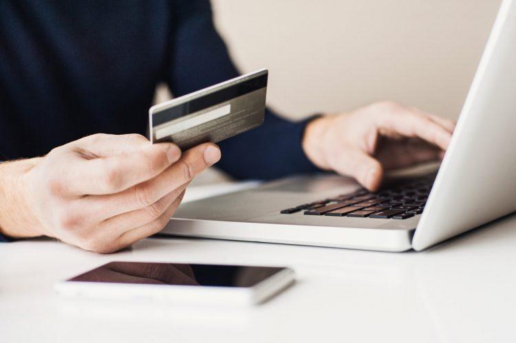 0 frais de tenue de compte avec la banque en ligne