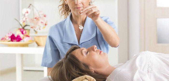 Comment trouver le sommeil grâce à l'hypnose