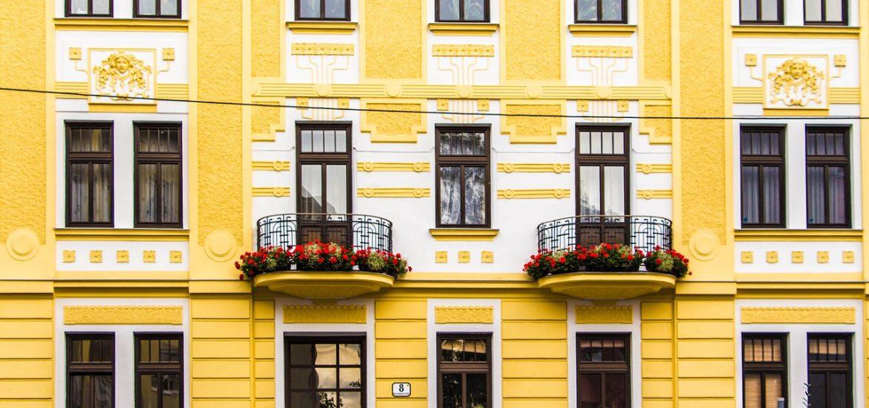 Les murs extérieurs résistants peuvent être bénéficiés grâce à un large éventail de matériaux et de techniques